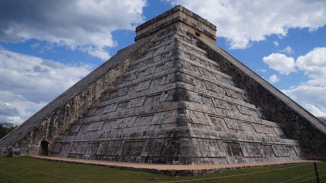 Bí ẩn kỳ lạ ở kim tự tháp cổ vang lên tiếng hót của loài chim thần