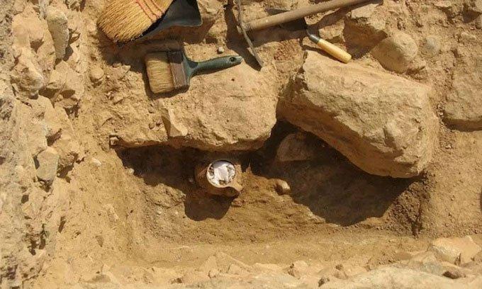 Bí ẩn từ hũ xương gà 2.300 năm dùng để thi triển lời nguyền