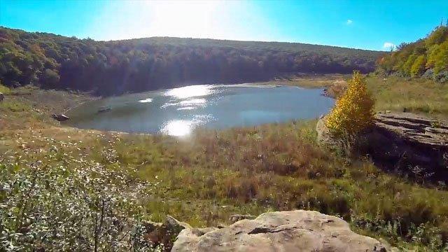 Bí ẩn về hồ nước bỗng tràn đầy nước trở lại sau 12 năm khô cạn