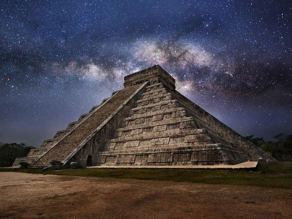 Bí ẩn về màu xanh lam ngàn năm không phai của người Maya