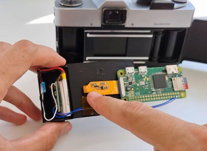 Biến máy phim 50 năm tuổi thành máy ảnh kỹ thuật số