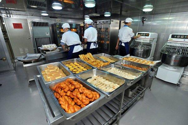 Binh lính chủ lực các nước Nga, Mỹ, Trung, Hàn... được ăn uống thế nào?