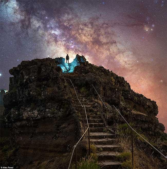 Bộ ảnh phong cảnh siêu thực dưới bầu trời đầy sao