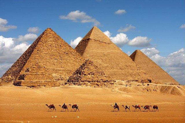 Các kim tự tháp của Ai Cập được tạo ra từ công nghệ… bê tông cổ đại?