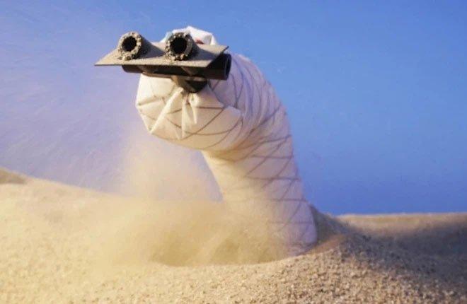 Các nhà khoa học chế tạo thành công robot rắn có thể đào hầm, chui qua đất cát để thám hiểm