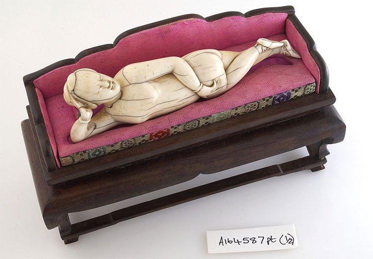 Cách khám bệnh qua búp bê để giữ trinh tiết của phụ nữ Trung Quốc xưa