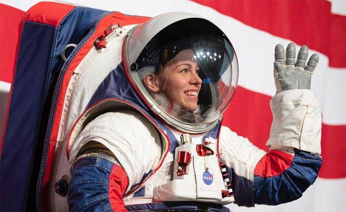 Cận cảnh bộ đồ mới của phi hành gia NASA