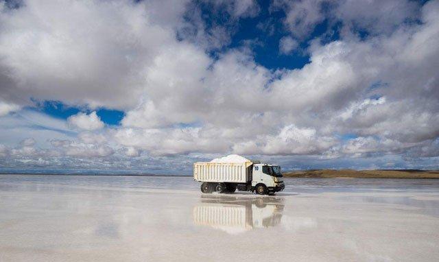 Cận cảnh hồ muối chứa hơn 50 tỷ tấn muối ăn, đủ cung cấp cho 6 tỷ người