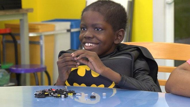 Cậu bé 8 tuổi khỏi ung thư não nhờ giải mã gene