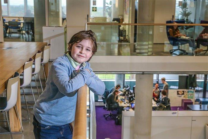 Cậu bé 9 tuổi lập kỉ lục là người nhỏ tuổi nhất thế giới tốt nghiệp đại học