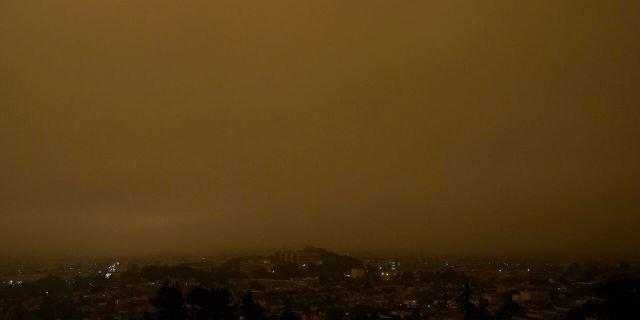 Cháy rừng khiến bầu trời San Francisco biến thành màu cam như sao Hỏa