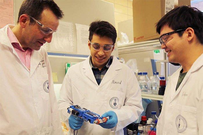 Chế tạo máy in da cầm tay để xử lý các vết bỏng nặng
