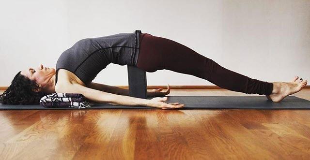Chỉ cần dành ra 5 phút làm 1 trong các việc này bạn sẽ hết đau lưng rất nhanh