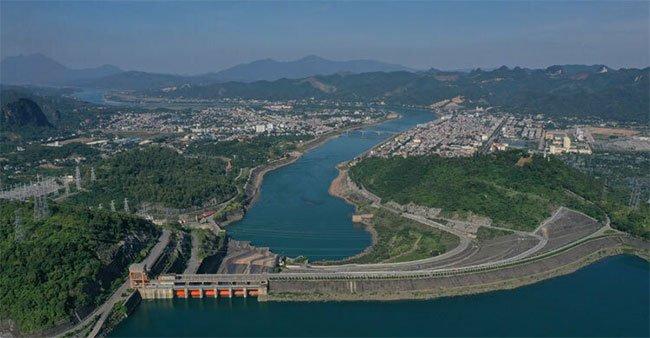 Chinh phục sông Đà xây Thủy điện Hòa Bình