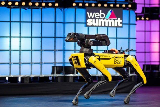 Chó robot được bán ra sau 10 năm thử nghiệm, giá hơn 70.000 USD