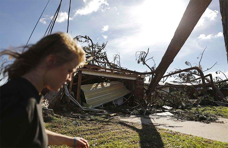Chùm ảnh siêu bão Michael tàn phá bờ nam nước Mỹ