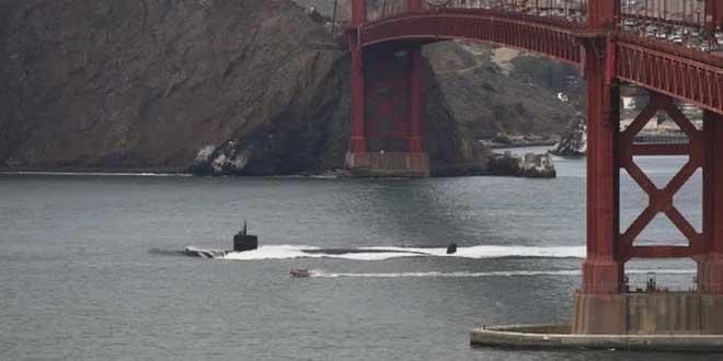 Chuyện gì xảy ra nếu một chiếc tàu ngầm đâm phải ngọn núi dưới đáy biển?