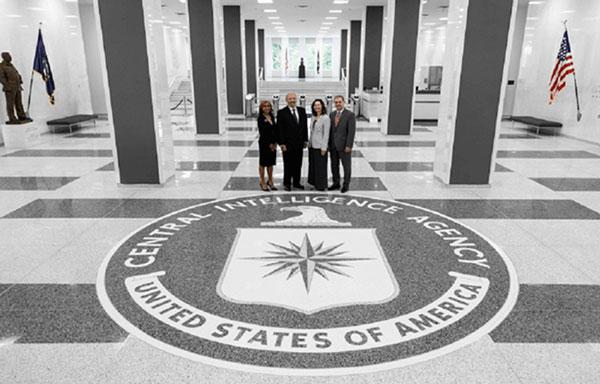 CIA tuyển mộ điệp viên như thế nào?