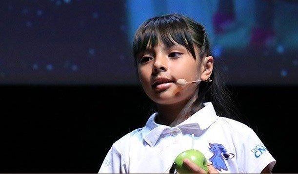 Cô bé 8 tuổi sở hữu IQ cao hơn Einstein vào đại học