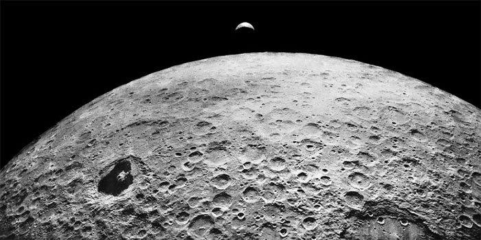 Có một tiểu hành tinh giống Mặt trăng nấp sau sao Hỏa