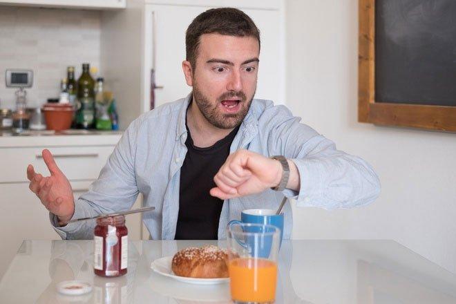Có nên nhịn bữa sáng để giảm cân?