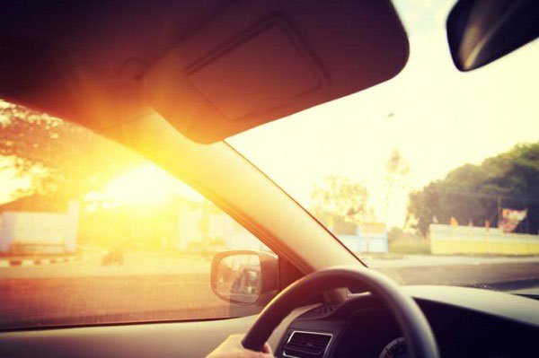 Có thể bạn không tin: Chúng ta rất khó bị đen da khi tiếp xúc với nắng chiếu qua cửa kính