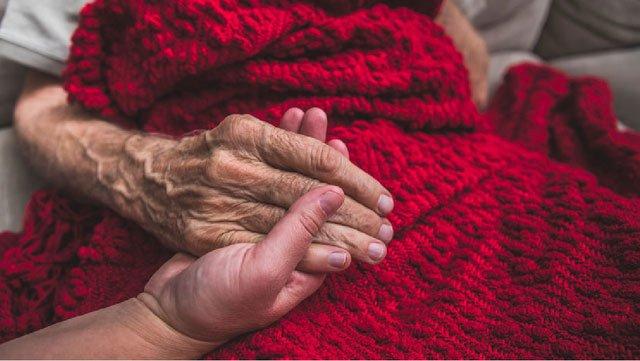 Có thực sự chúng ta chết vì già?