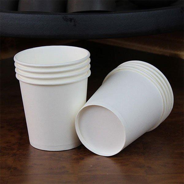 Cốc thủy tinh, cốc nhựa, cốc giấy... loại cốc nào an toàn nhất cho sức khoẻ?