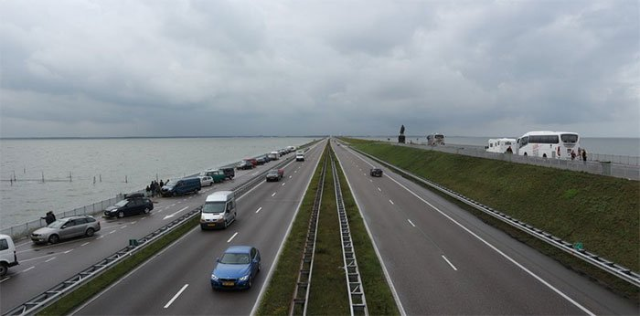 Công trình đê biển kỳ vĩ của Hà Lan có thể nhìn thấy từ vũ trụ