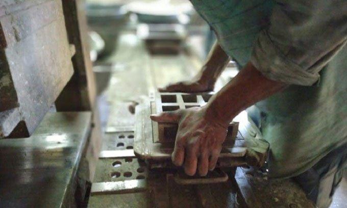 Công ty Ấn Độ biến không khí ô nhiễm thành gạch xây