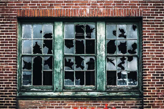 Cửa sổ vỡ – lý thuyết tội phạm học gây tranh cãi