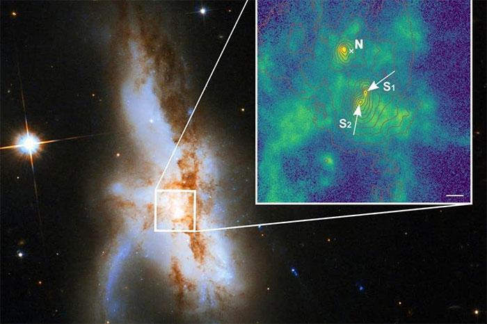 Cụm hố đen khối lượng gấp khoảng 300 triệu lần Mặt Trời