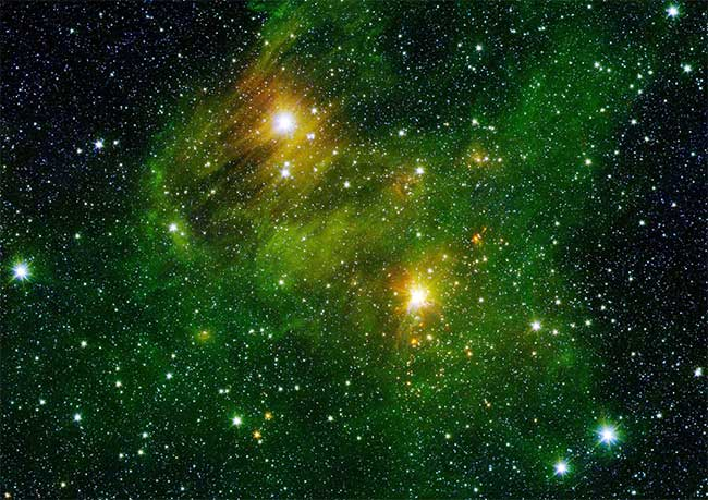 Cùng chiêm ngưỡng 10 bức ảnh vô giá được chụp kính bởi viễn vọng Spitzer của NASA