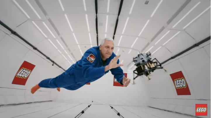 Cựu phi hành gia NASA tham gia chơi... xếp hình trong môi trường không trọng lực