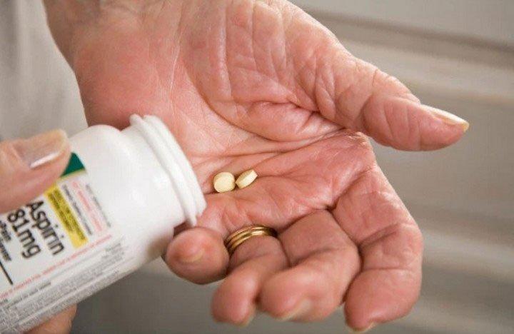 Đại học Harvard: Hàng triệu người đang tốn công uống thuốc aspirin để phòng bệnh tim