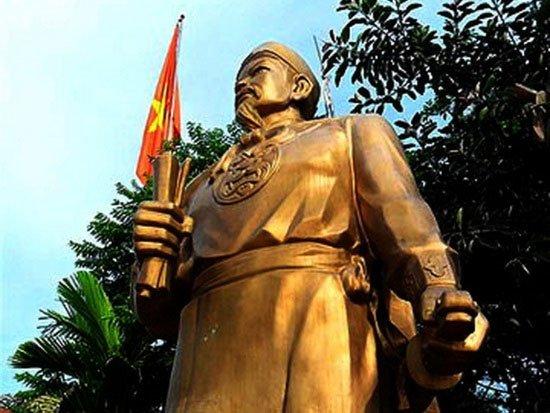 Danh tướng uống rượu bằng mũi, giỏi ngoại ngữ nhất sử Việt