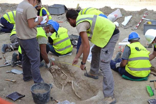 Đào đường, tình cờ khai quật hơn 400 mộ cổ ngàn năm