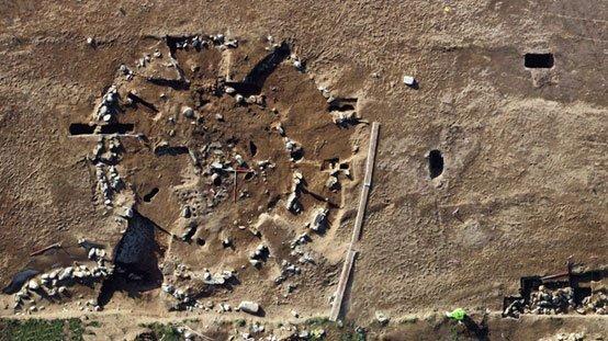 Đào đường, tình cờ khai quật kho báu đủ chất đầy một bảo tàng