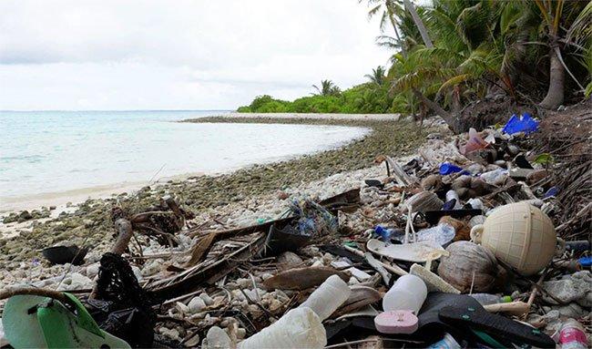 Đảo nhỏ hứng 414 triệu mảnh rác nhựa