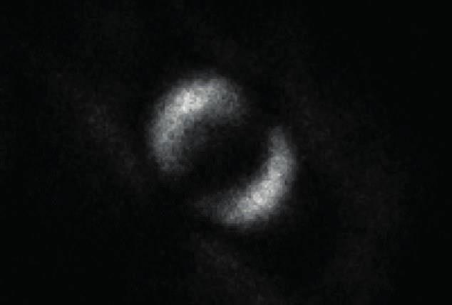Đây là bức ảnh đầu tiên của tác động ma quái mà Einstein nói đến