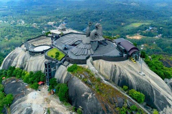 Đây là tượng đài đại bàng lớn nhất thế giới nằm ở Ấn Độ