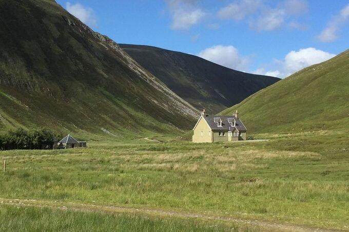 Deanich Lodge - Nhà nghỉ cô đơn nhất thế giới