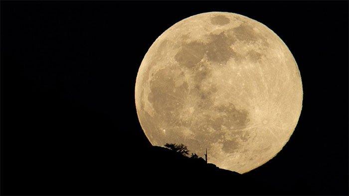 Đêm 24 rạng sáng ngày 25/6, chúng ta sẽ có cơ hội ngắm siêu trăng cuối cùng của năm 2021