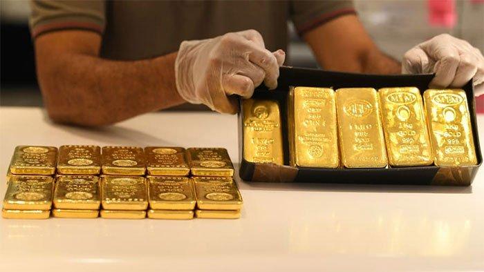 Đến nơi đội tuyển Việt Nam đang thi đấu: Chỉ thấy vàng và vàng