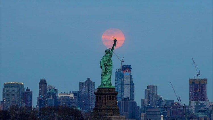 Đẹp ma mị hình ảnh siêu trăng cuối cùng trong năm 2019