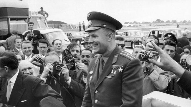Điều gì đã xảy ra với Yuri Gagarin, người đầu tiên bay vào không gian?
