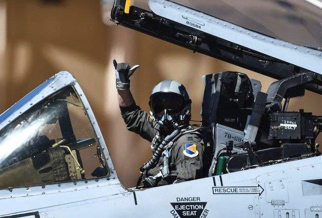 Điều gì sẽ xảy ra nếu phi công tiêm kích bỏ mặt nạ khi bay?