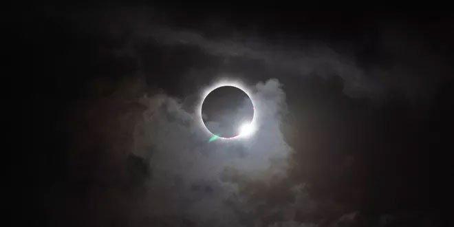 Điều gì sẽ xảy ra với Trái đất nếu hiện tượng nhật thực toàn phần diễn ra hàng ngày?