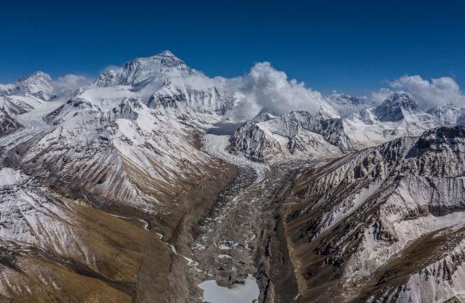 Đỉnh Everest chính thức cao thêm 60,69cm