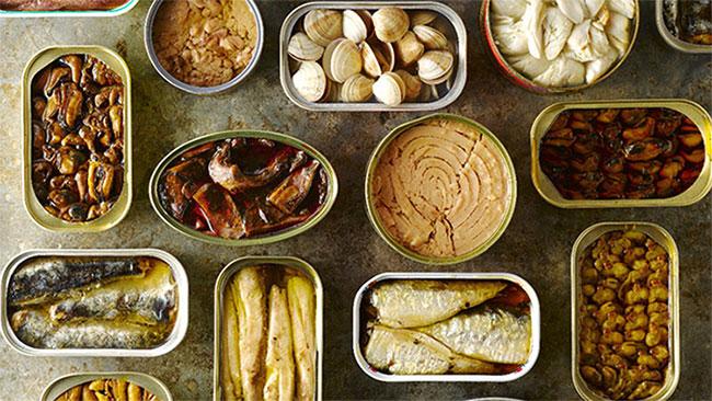 Đồ hộp biến dạng vỏ thì nên bỏ hay ăn?